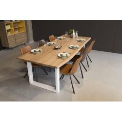 Table chêne massif et chaises esprit nordique CASTEL LINE